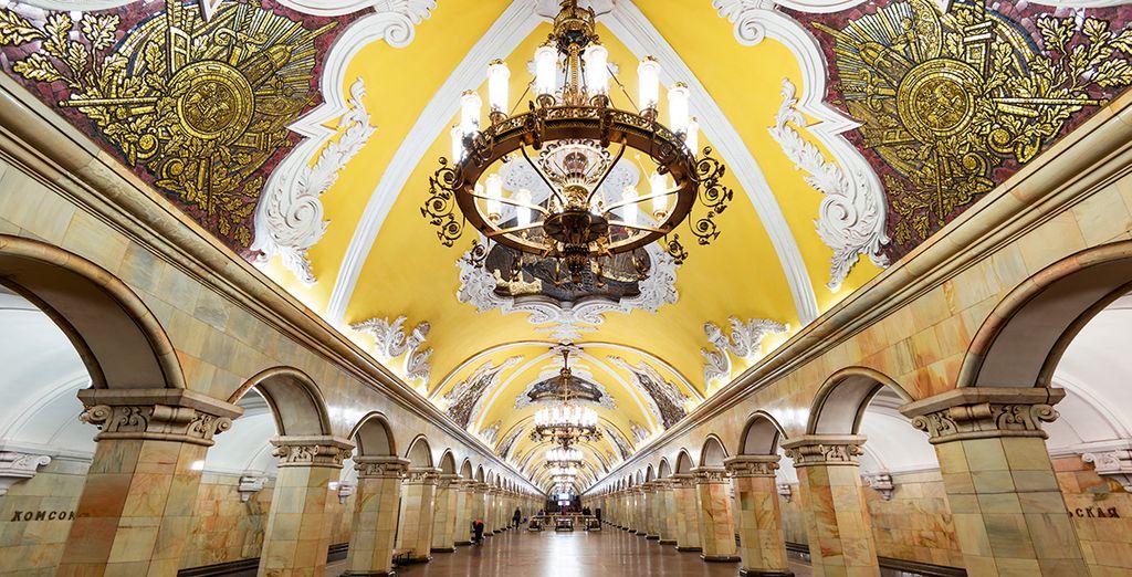 El metro de Moscú, considerado el más bello del mundo
