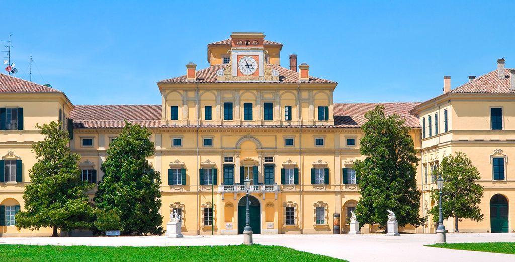 Visite el famoso Palacio Ducale