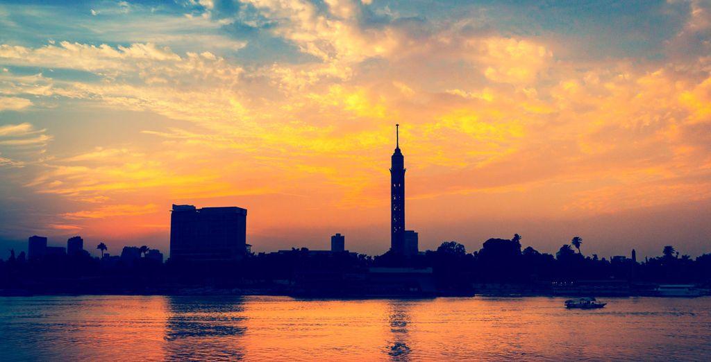 Y contemple la moderna Torre Cairo