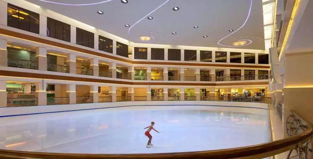 Las más completas instalaciones. Cuenta incluso con una pista de hielo