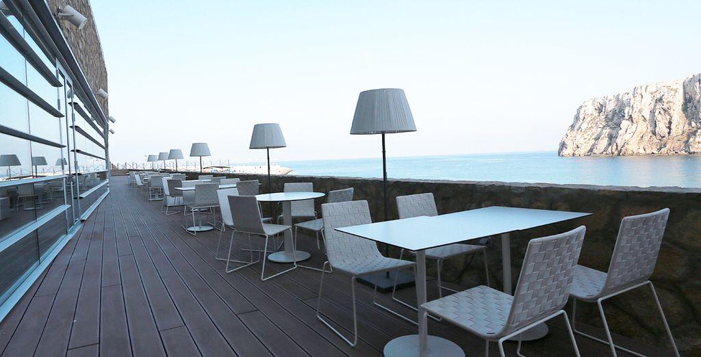 Disfrute del buen tiempo en la terraza