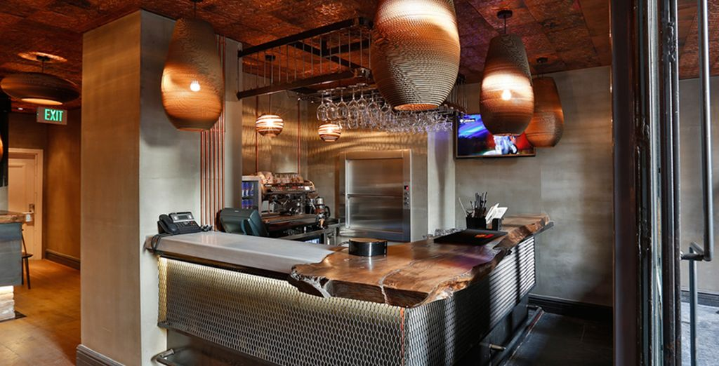 Saboree su copa favorita en el bar