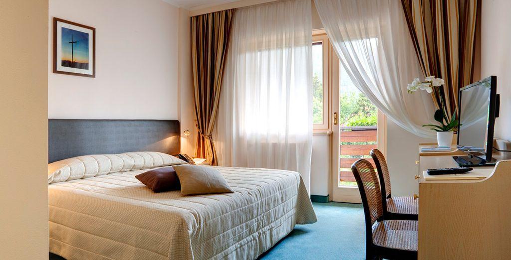 Podrás elegir alojarte en una habitación Classic...