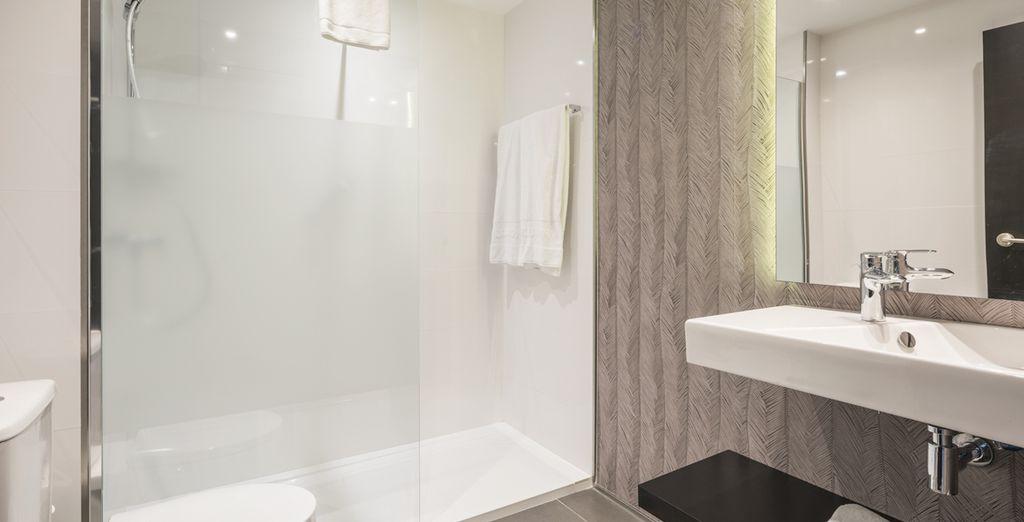 Con un baño totalmente equipado y reformado