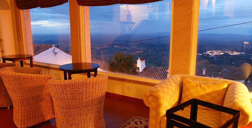 El restaurante del hotel le ofrece un panorama sin igual