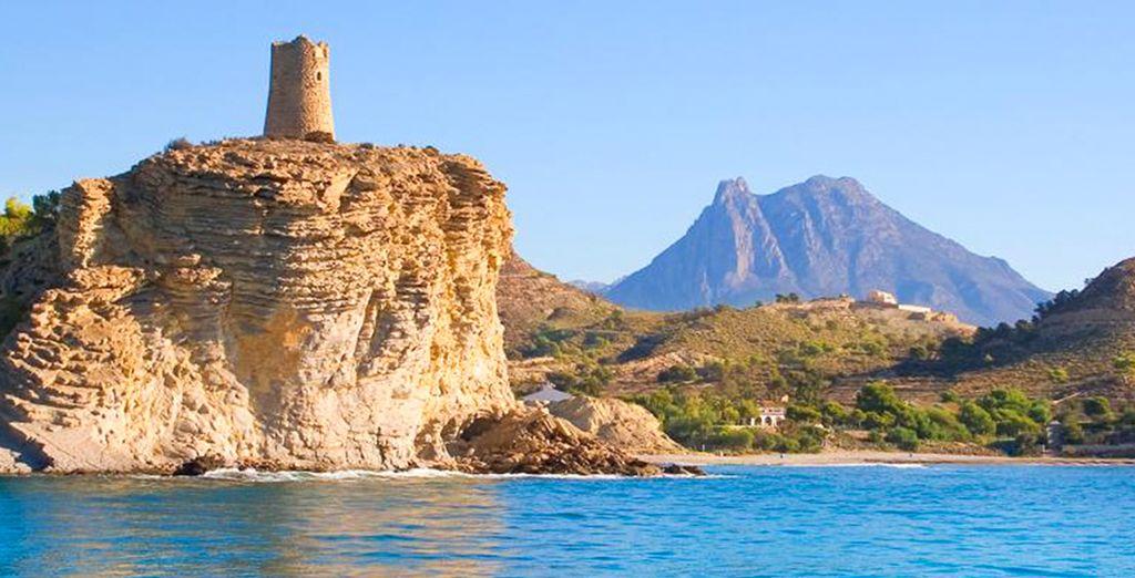 Descubre su patrimonio como yacimientos arqueológicos de tiempos de los iberos, fenicios y romanos