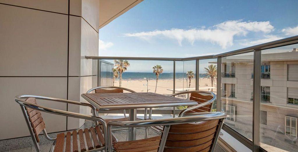 Apartamento 2: terraza con vista al mar
