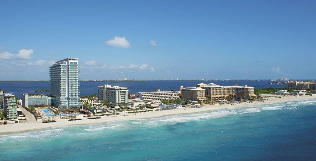 Disfrute de las vistas al mar Caribe