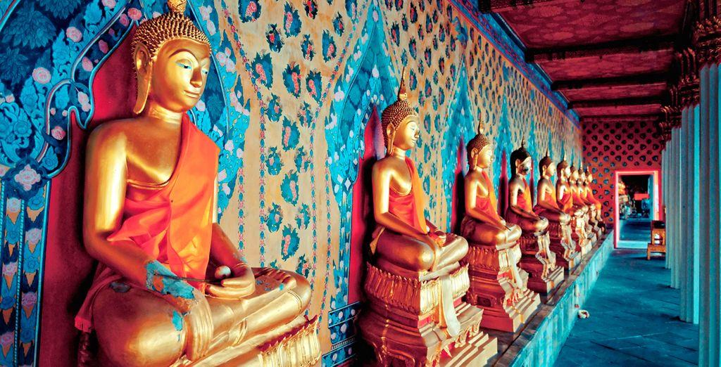 Disfrute de sus bellos templos y mercados