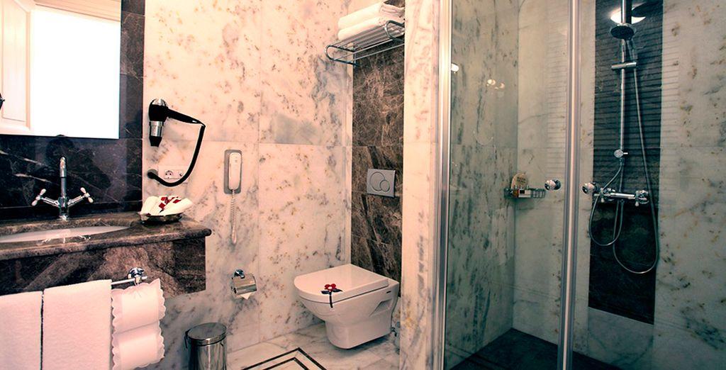 Baños equipados hasta el último detalle