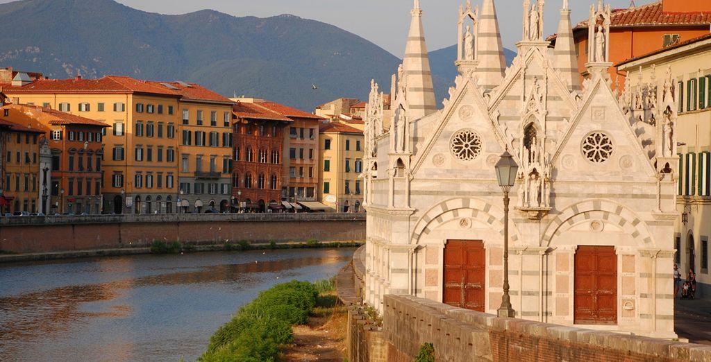 El río Arno en su paso por Pisa