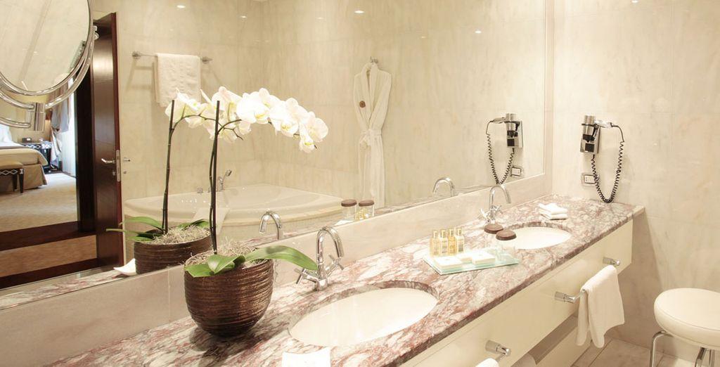 Baño completamente equipado para su disfrute