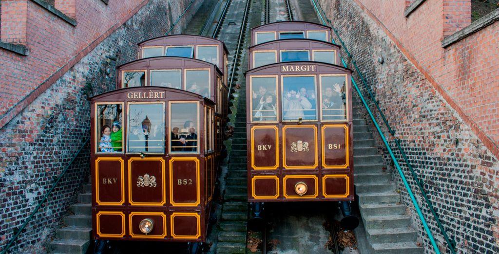 Disfrute de las vistas desde el funicular de Budapest (Budavari Sikló)