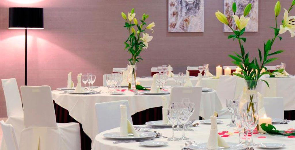 El restaurante ofrece una carta cuidada y selecta con productos locales