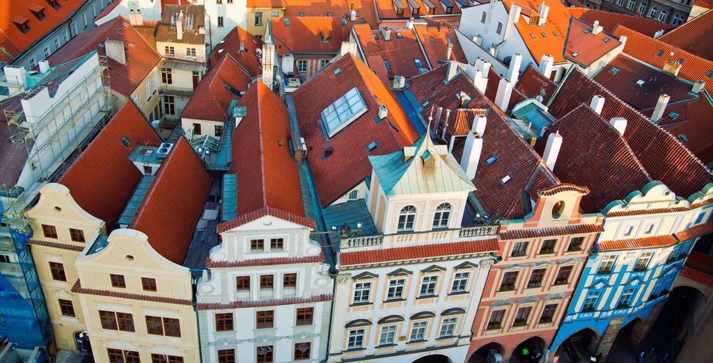 Disfrute de sus callejuelas y casas típicas checas