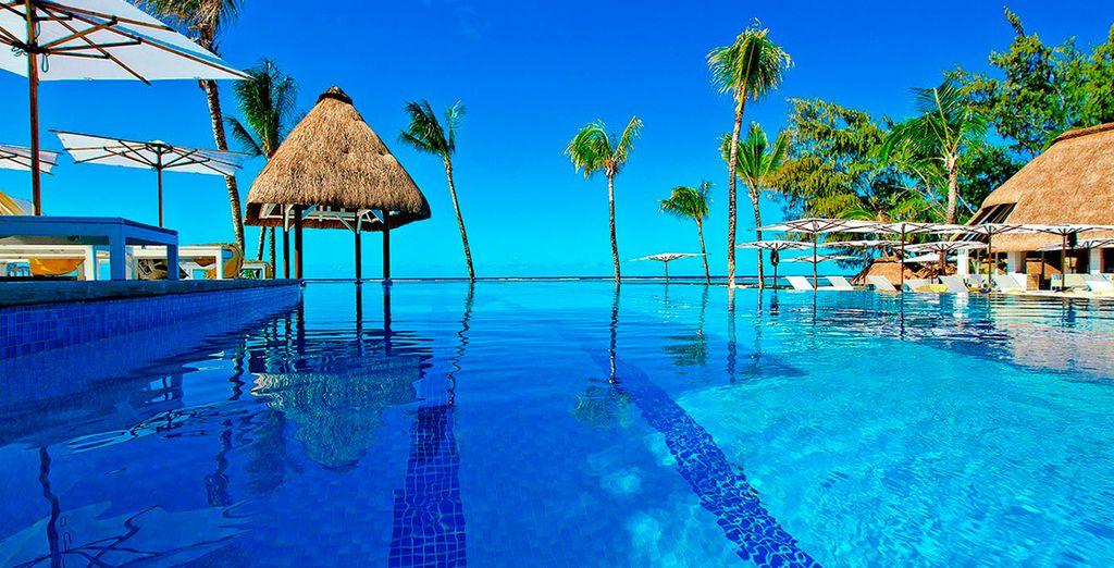 Báñese en su piscina al aire libre