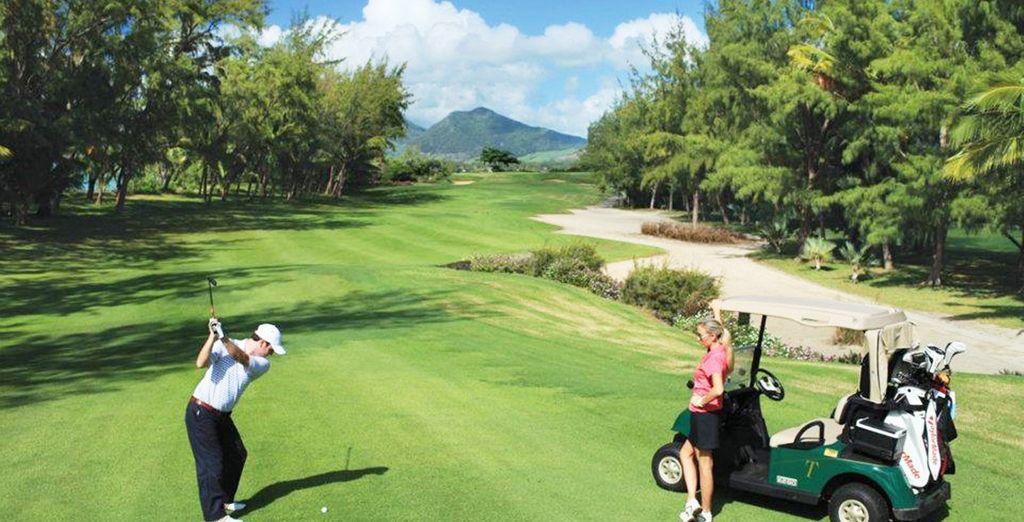 El hotel se se encuentra a 15 minutos del campo de golf Le Touessrok
