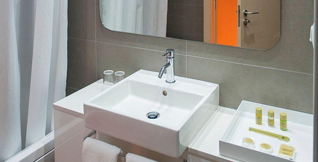 Modernos baños totalmente equipados