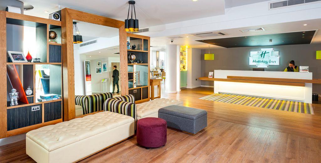 Hotel de diseño moderno y muy bien ubicado