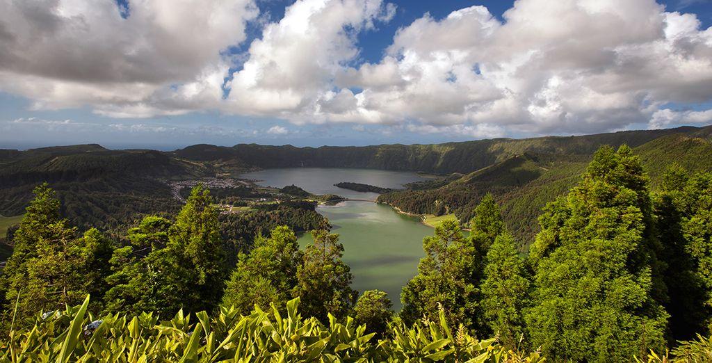 Isla Terceira se caracteriza por su abundante vegetación y fertilidad