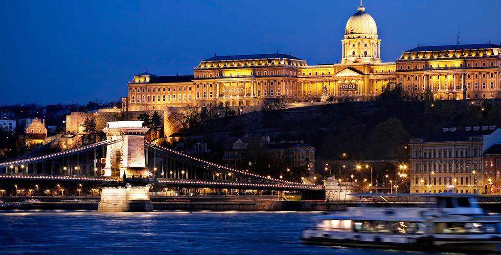 Vistas al anochecer en el Castillo de Buda