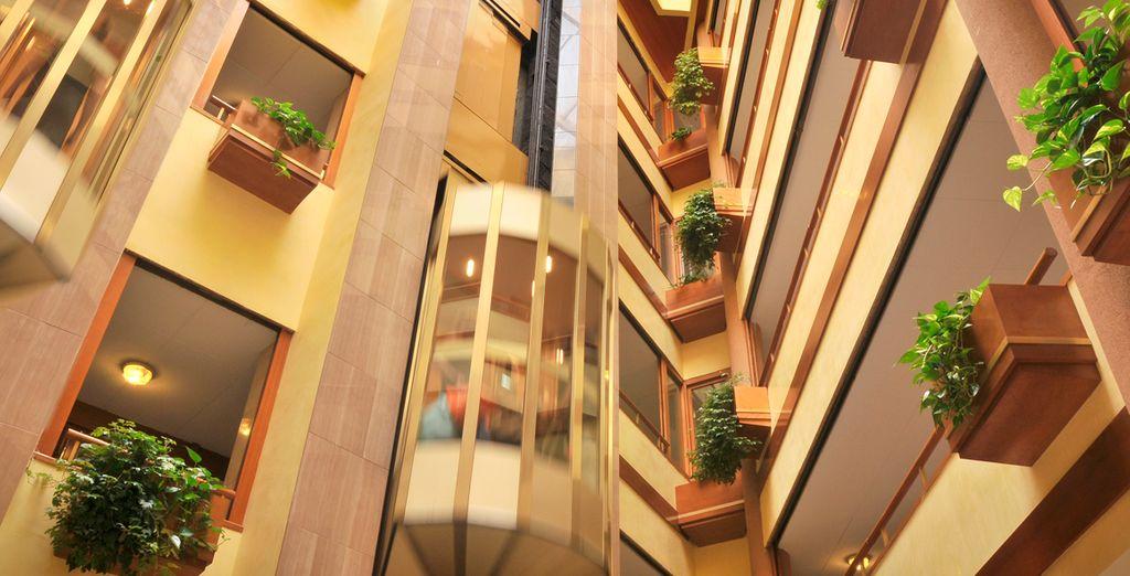 Admire la elegante decoración de sus espacios