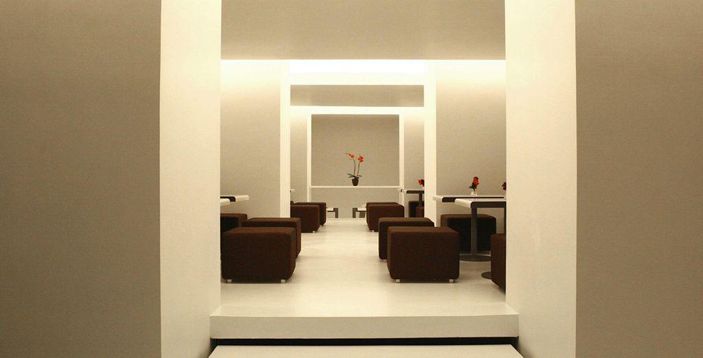 El espacio en blanco por White Space by Ripa sirve alta cocina