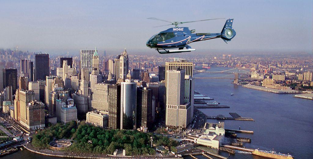 Opcionalmente podrá dar un paseo en helicóptero divisando el Lower Manhattan y el río Hudson