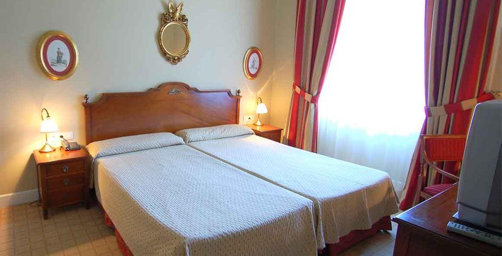 Las habitaciones ofrecen calidez, espacio y servicios en un entorno único