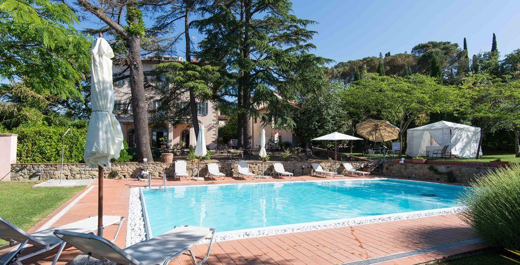 Villa La Grotta 4* le da la bienvenida a la Toscana