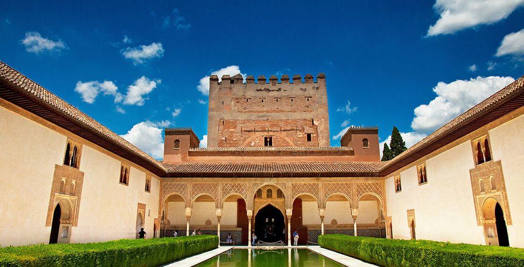 Granada cuenta con un legado histórico y monumental increíble