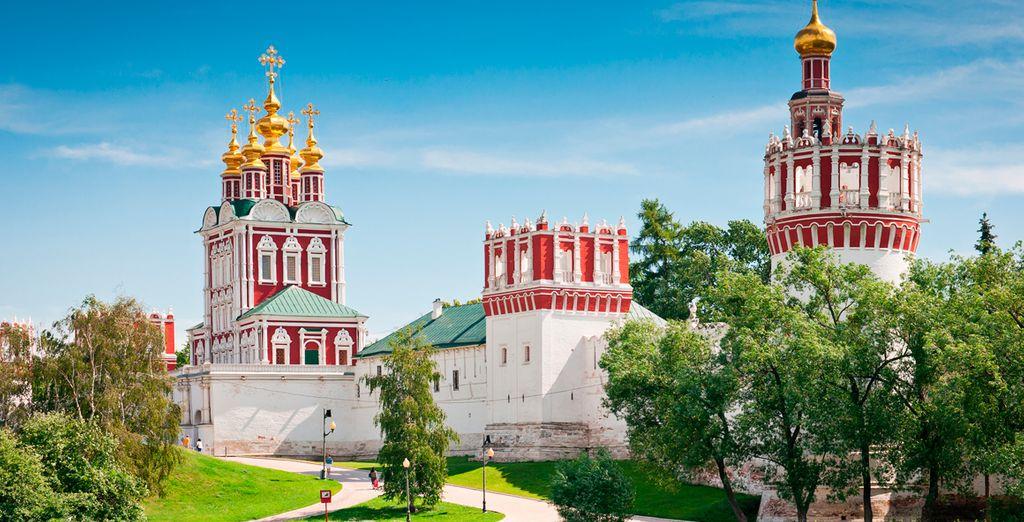 El hermoso Convento de Novodevichi