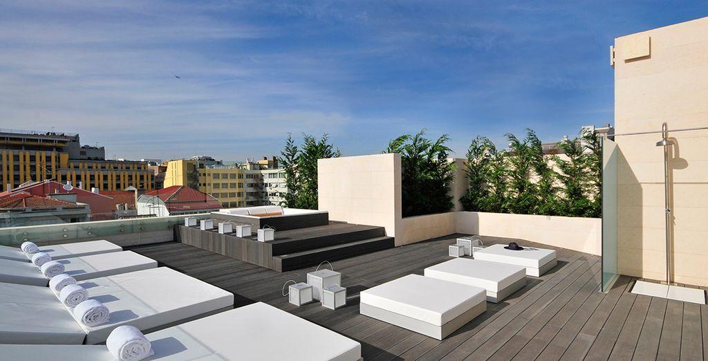 Disfrute de su terraza en el último piso con jacuzzi