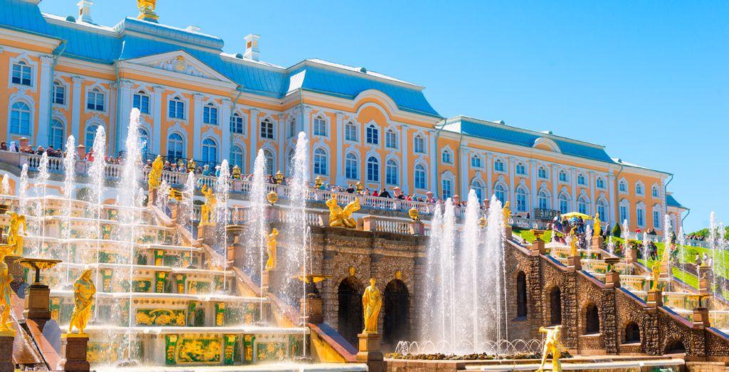 Visitará  el palacio de Peterhoff...