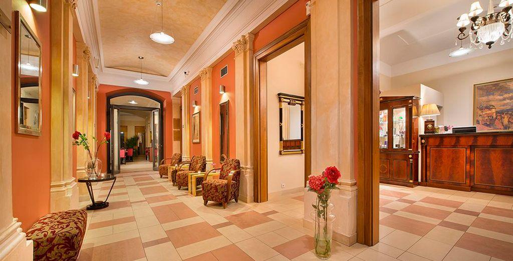 Otra de las opciones de estancia es el hotel EA Embassy Prague 4*