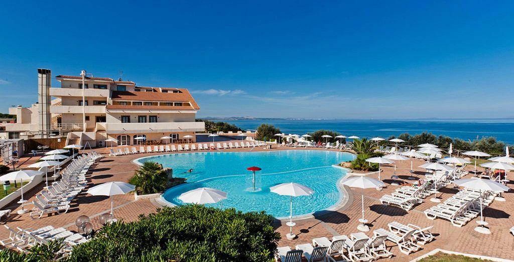 Disfrute del sol, de la playa y de la gran piscina