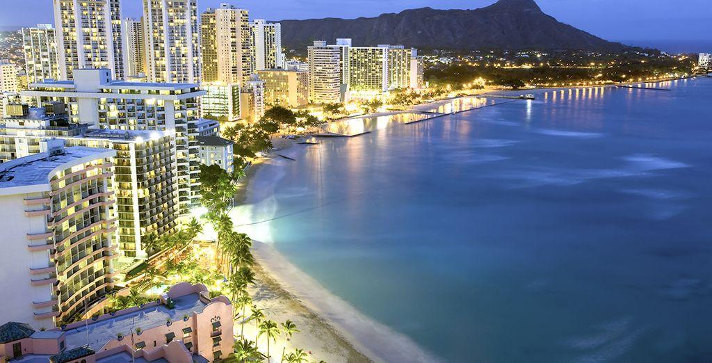 Kona es el pueblo más grande de la costa occidental de Hawaii