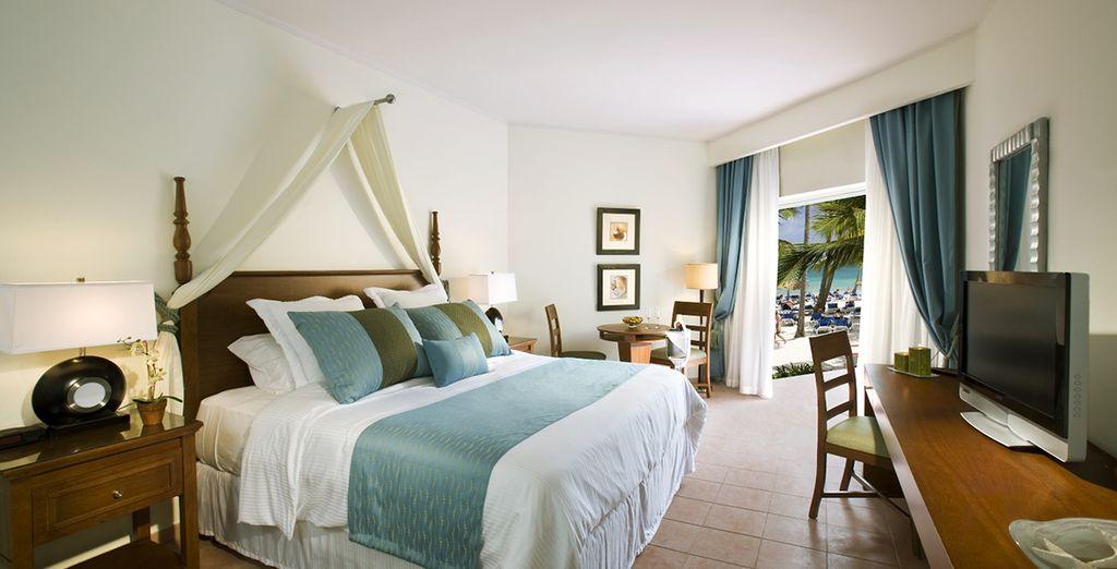Relájate en tu cómoda, elegante y amplia habitación Premium Deluxe con Vistas al Jardín