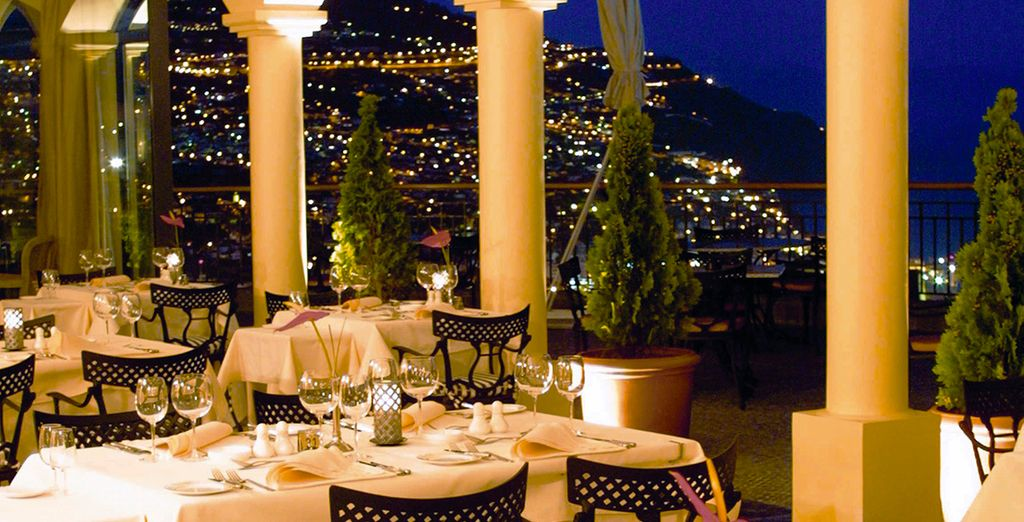 Goza de una cena romántica con vistas