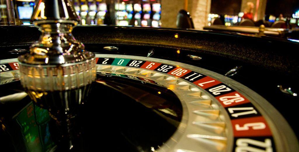 En el casino tendrás una amplia variedad de mesas donde jugar