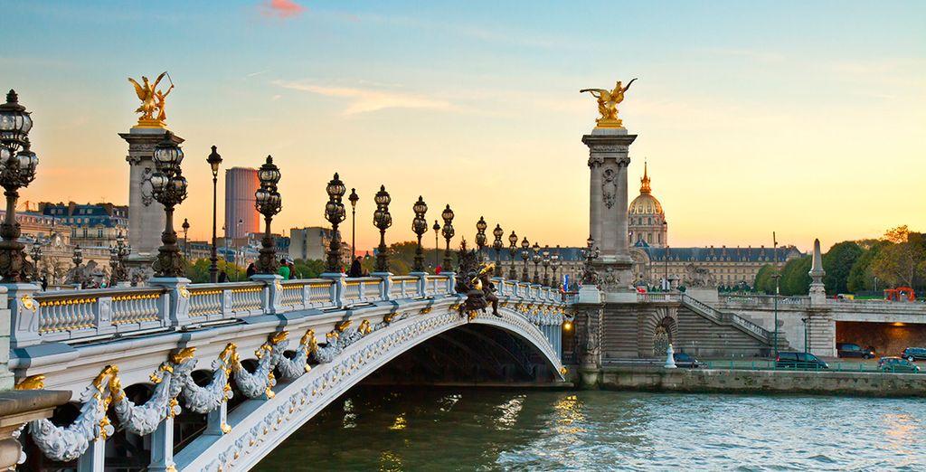 París se presenta como una ciudad clásica y palpitante