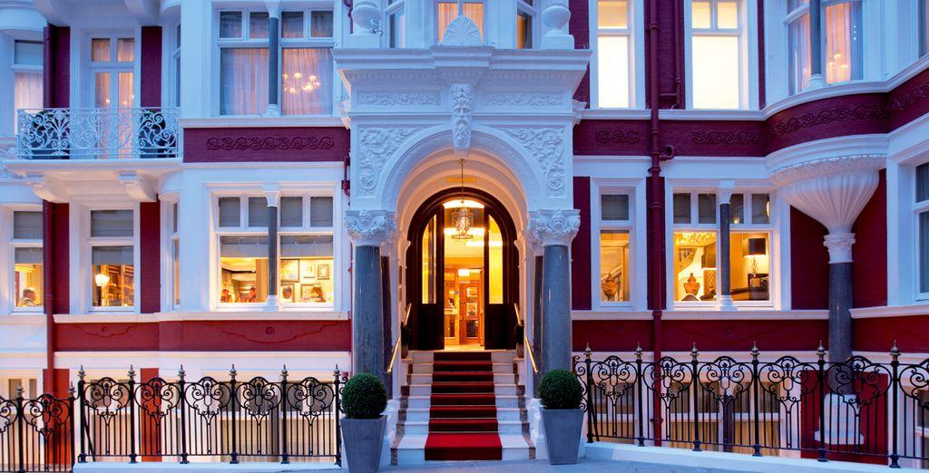 Bienvenido al St James's Hotel & Club 5*