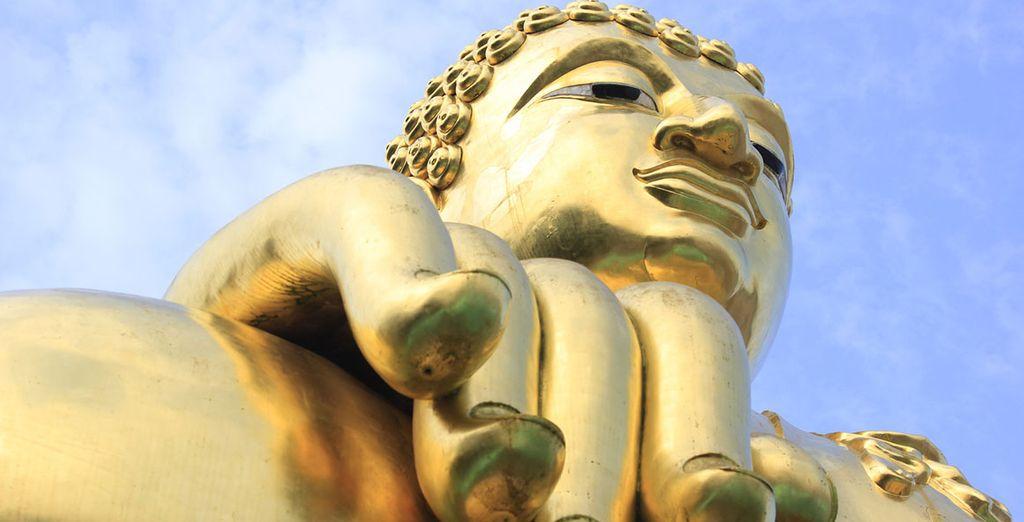 En Chiang Mai visitarás una impresionante escultura de un buda