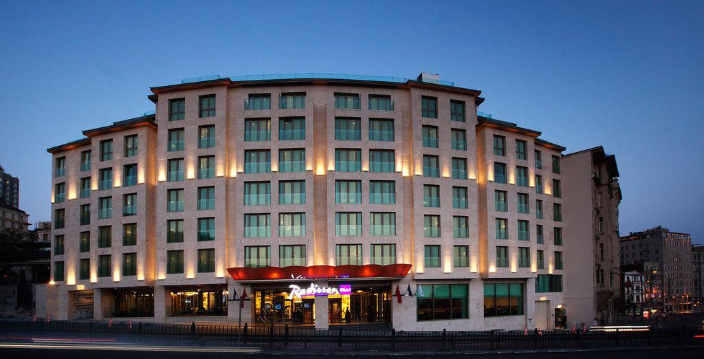 Bienvenido al Hotel Radisson Blu Istanbul Pera