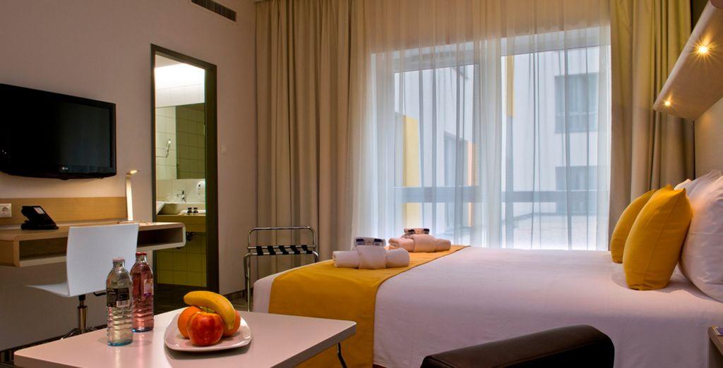 Muebles de lujo y cómodas camas garantizan una estancia confortable y de calidad en tu habitación Superior