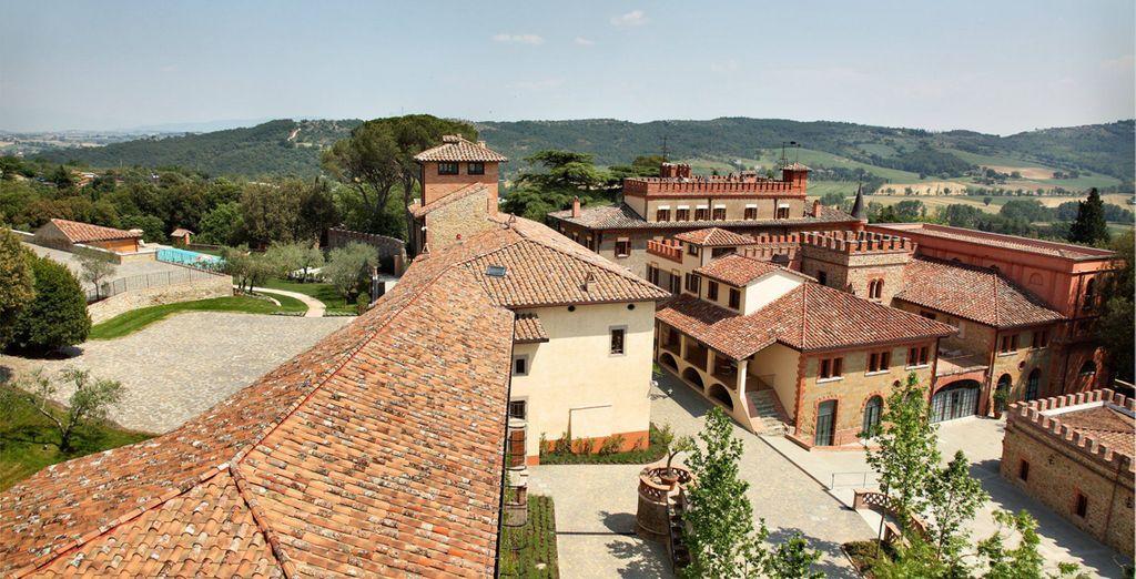 El Borgo Dei Conti Resort está situado en una finca de 20 hectáreas con vistas al valle de Nestore
