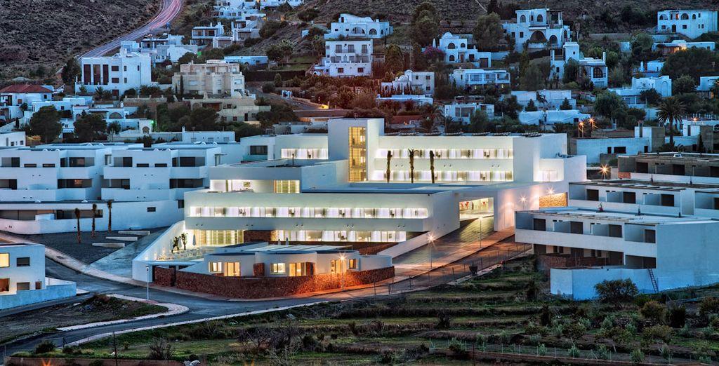 Este elegante hotel se encuentra dentro del bonito parque natural de Cabo de Gata-Níjar