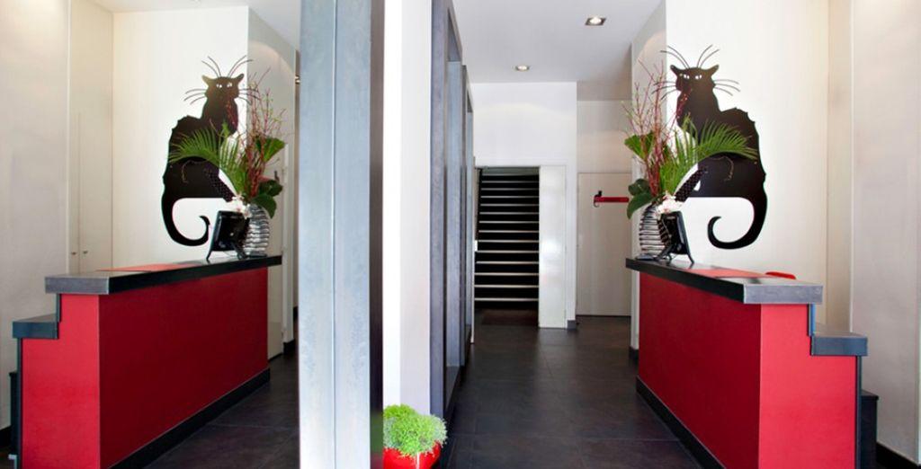 Bienvenido al Hotel Le Chat Noir