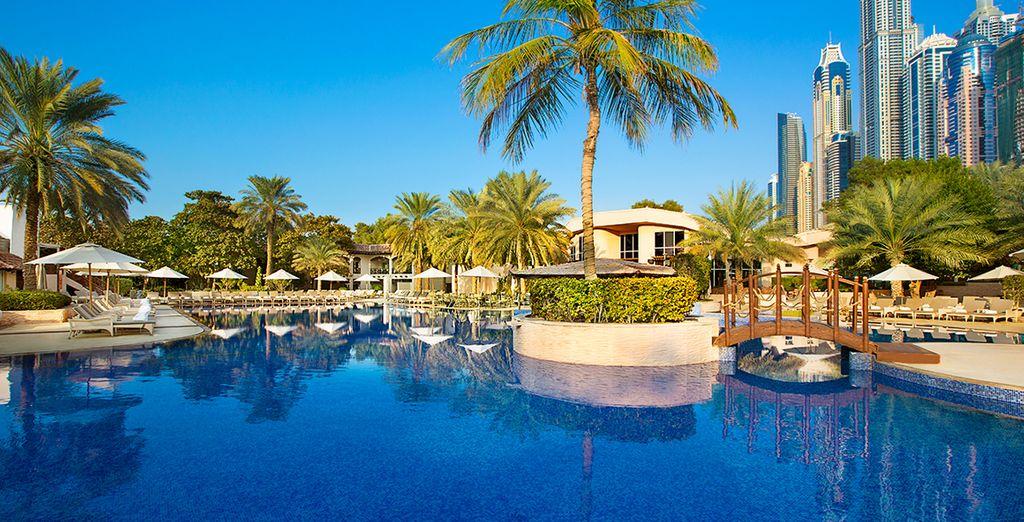 Bienvenido a Habtoor Grand Beach Resort & Spa 5*