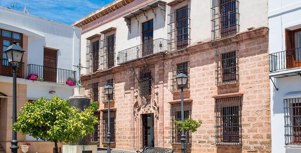 Acércate a la ciudad de Huelva